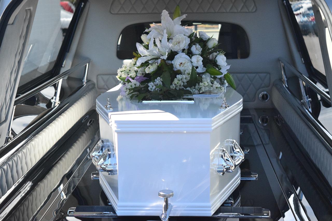 Kremacja czy pochówek tradycyjny?