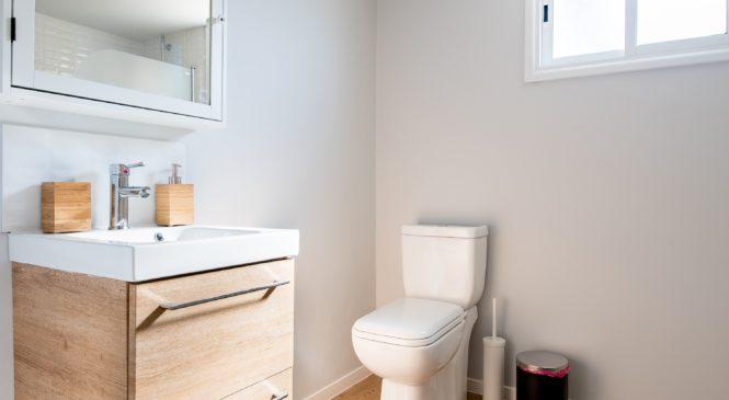Akcesoria niezbędne w każdej łazience, czyli o czym nie można zapomnieć
