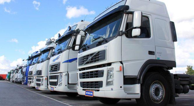 Na czym zarabiają firmy transportowe?
