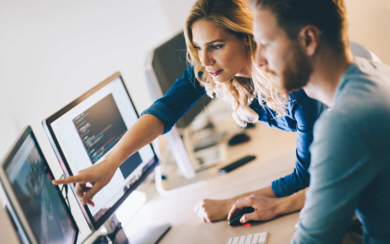 Jakie decyzje podjąć przed stworzeniem firmowej strony?