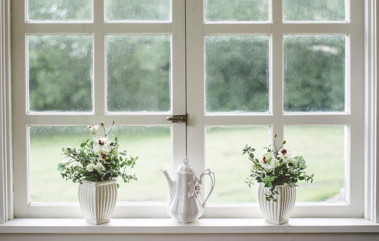 Czym najlepiej zasłonić okna?