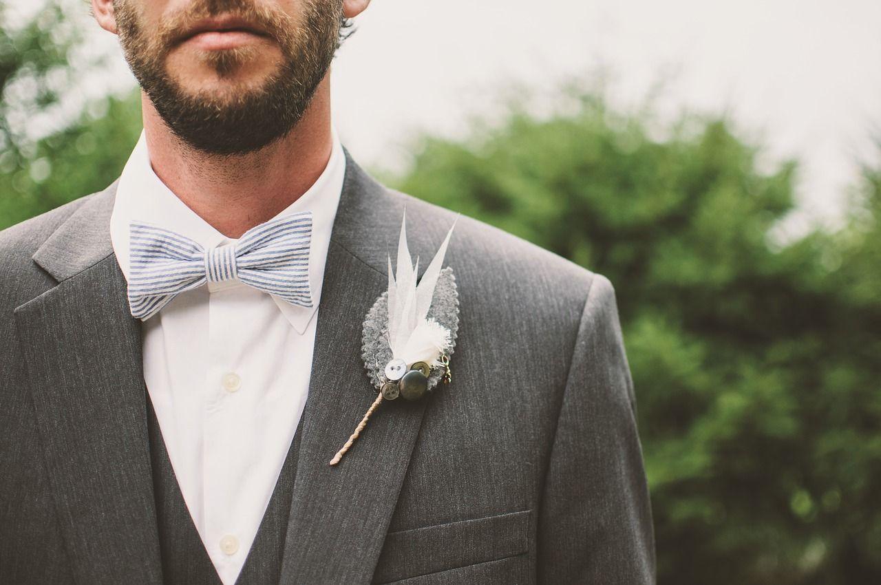 Kiedy założyć muchę, a kiedy krawat?