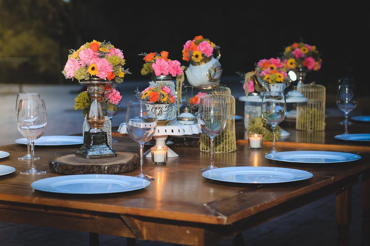 Jak elegancko przygotować stół?