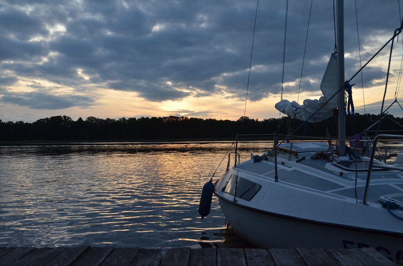 Rejs po Mazurach własną łodzią – jak się przygotować?