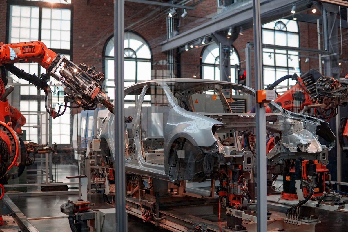 Elementy złączne wykorzystywane przy montażu instalacji samochodowych