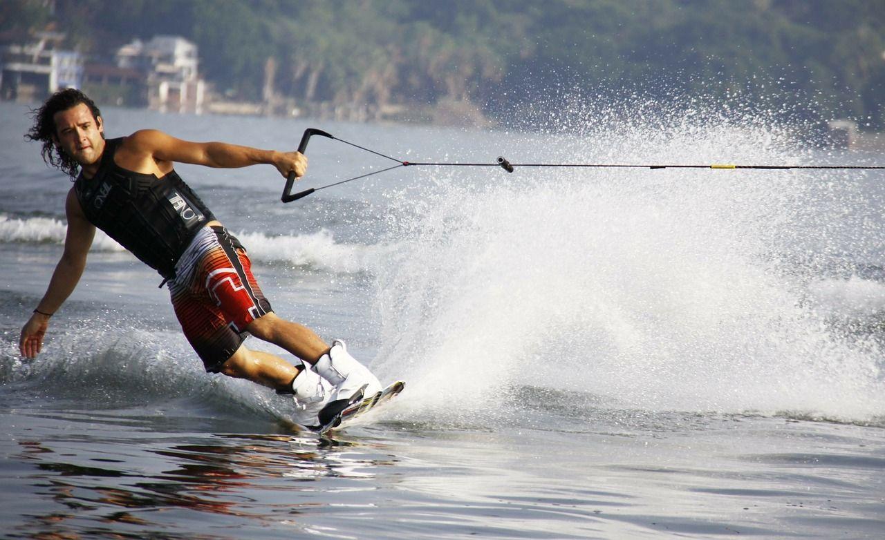 Sporty wodne dla każdego – czym warto się zainteresować?