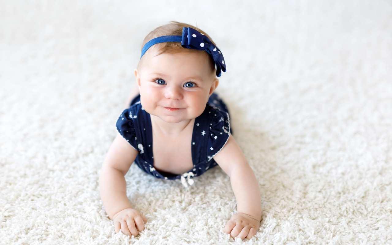 Niebanalne ubranka dla niemowląt – co warto kupić swoim pociechom?