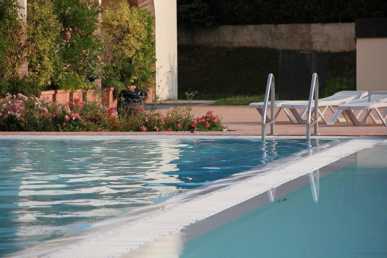 Jak dbać o czystość w basenie?