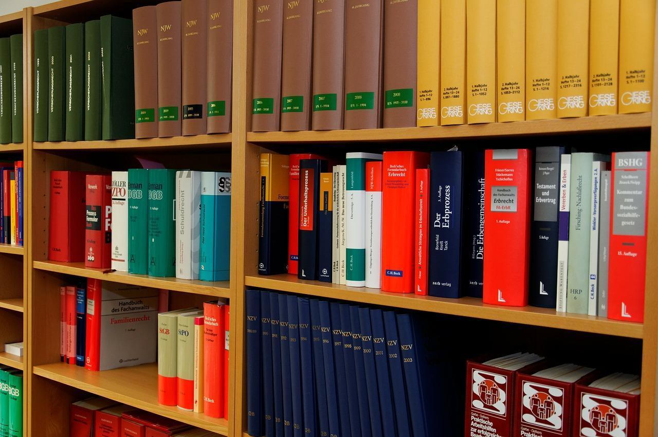 Jak wygodnie przechowywać dokumentację w biurze?