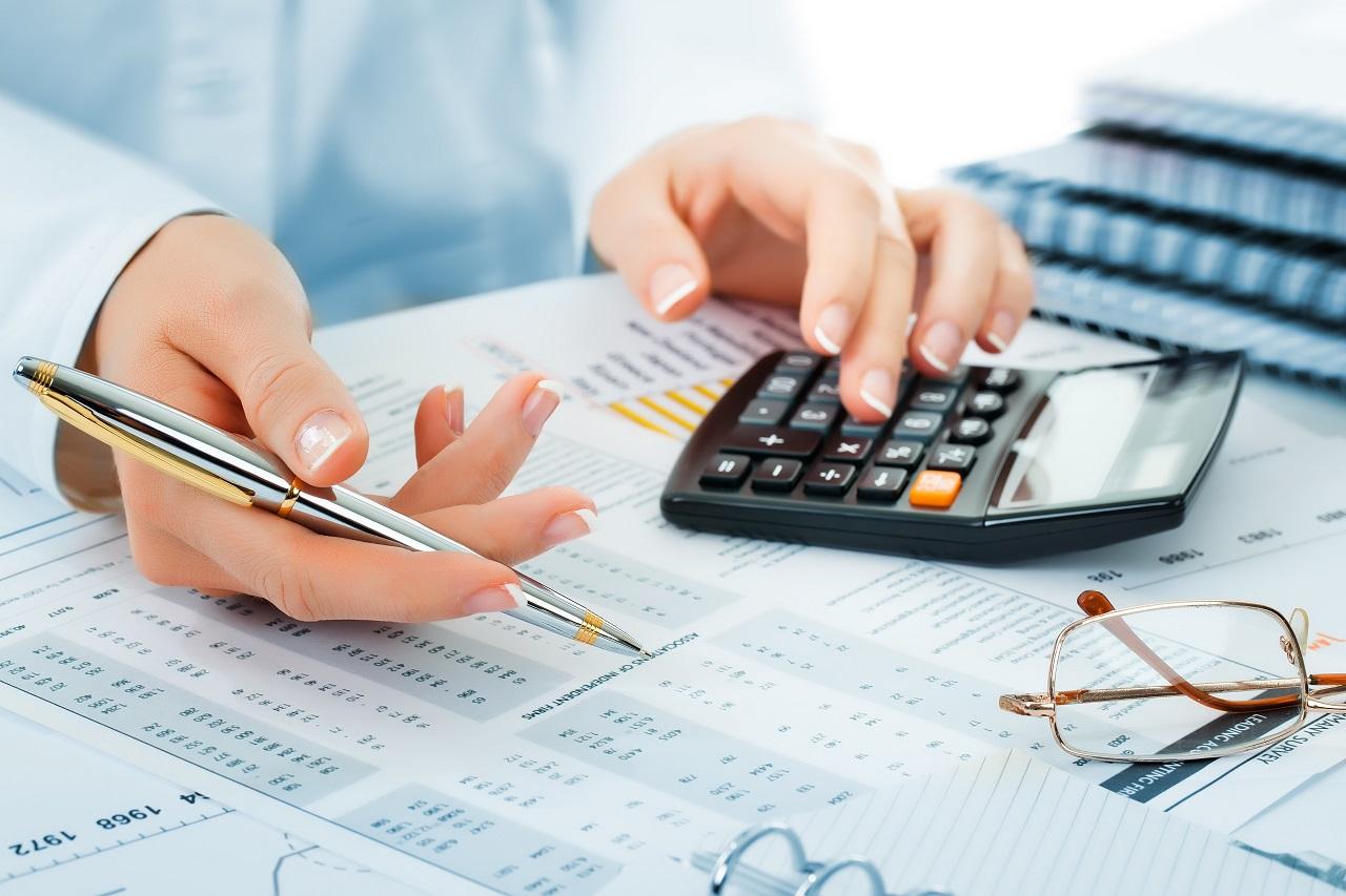 Jakie korzyści przynosi współpraca z profesjonalnym biurem rachunkowym?