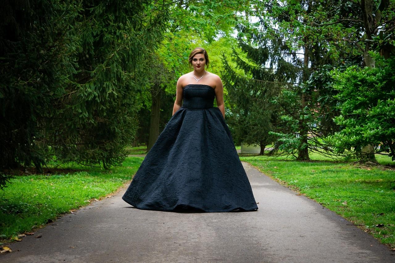 Jak można samemu stworzyć wymarzoną suknię?